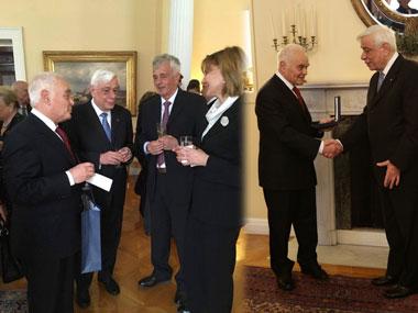 [;en]Ceremony where the Dean of the Law School, Mr. Antonis Manitakis was bestowed with an honorary medalΤελετή παρασημοφόρησης του Κοσμήτορα της Νομικής 'Νεάπολις' Αντώνη Μανιτάκη